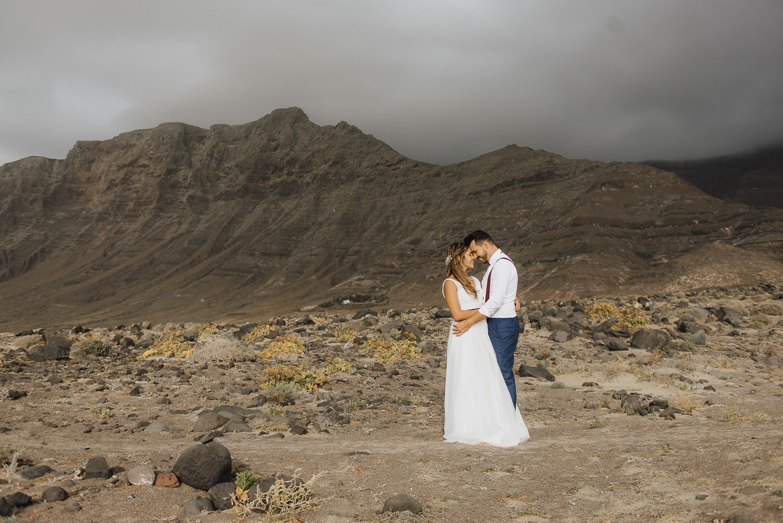 wedding lanzarote photographer beach wedding