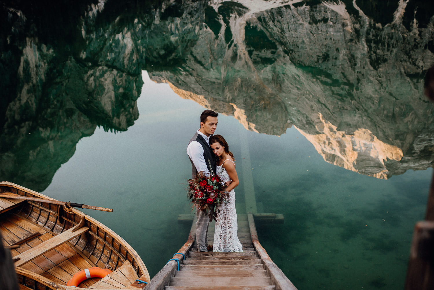 lago di braies weddingphotographer